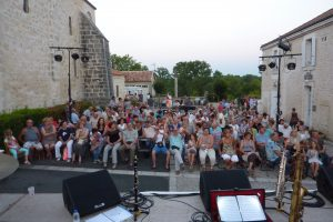 le-festival-de-musique-en-charente-villages-sessions-s-installera-au-village-de-gurat