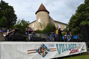 La-scene-du-festival-musical-charentais-Villages-Sessions