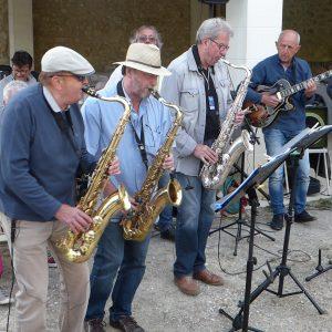 Le Badaboum Band pendant le festival Villages Sessions